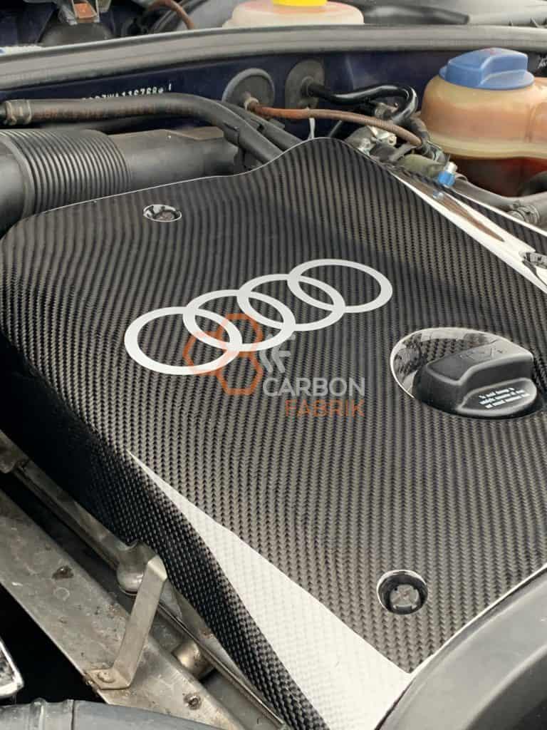 A4-B5-Motorabdeckung-Carbon-Audi-Logo2