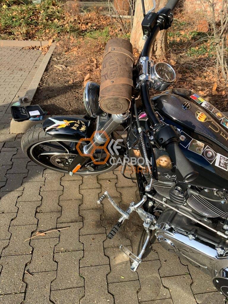 Harley Davidson Breakout Carbon Spiegelkappen Scheinwerfer